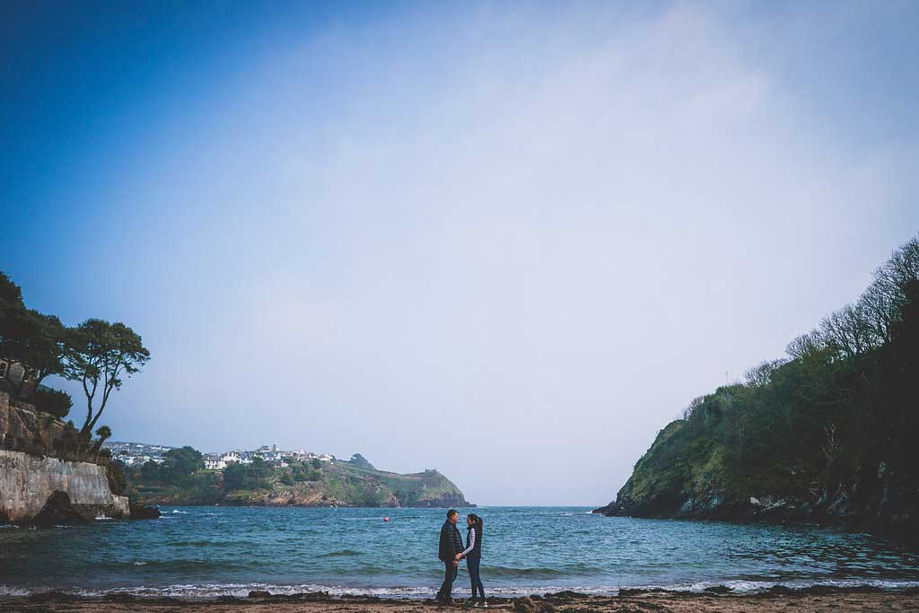 Couple-standing-by-the-sea-prewedding-photographs