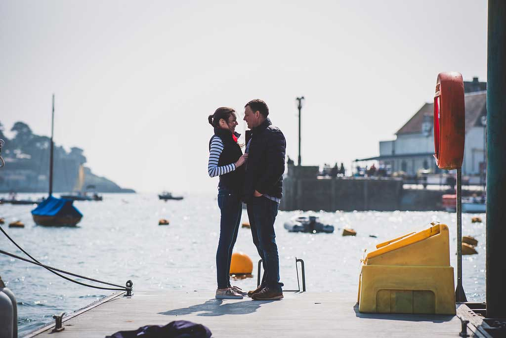 Married-couple-standing-on-the-pier-romantic-photoshoot