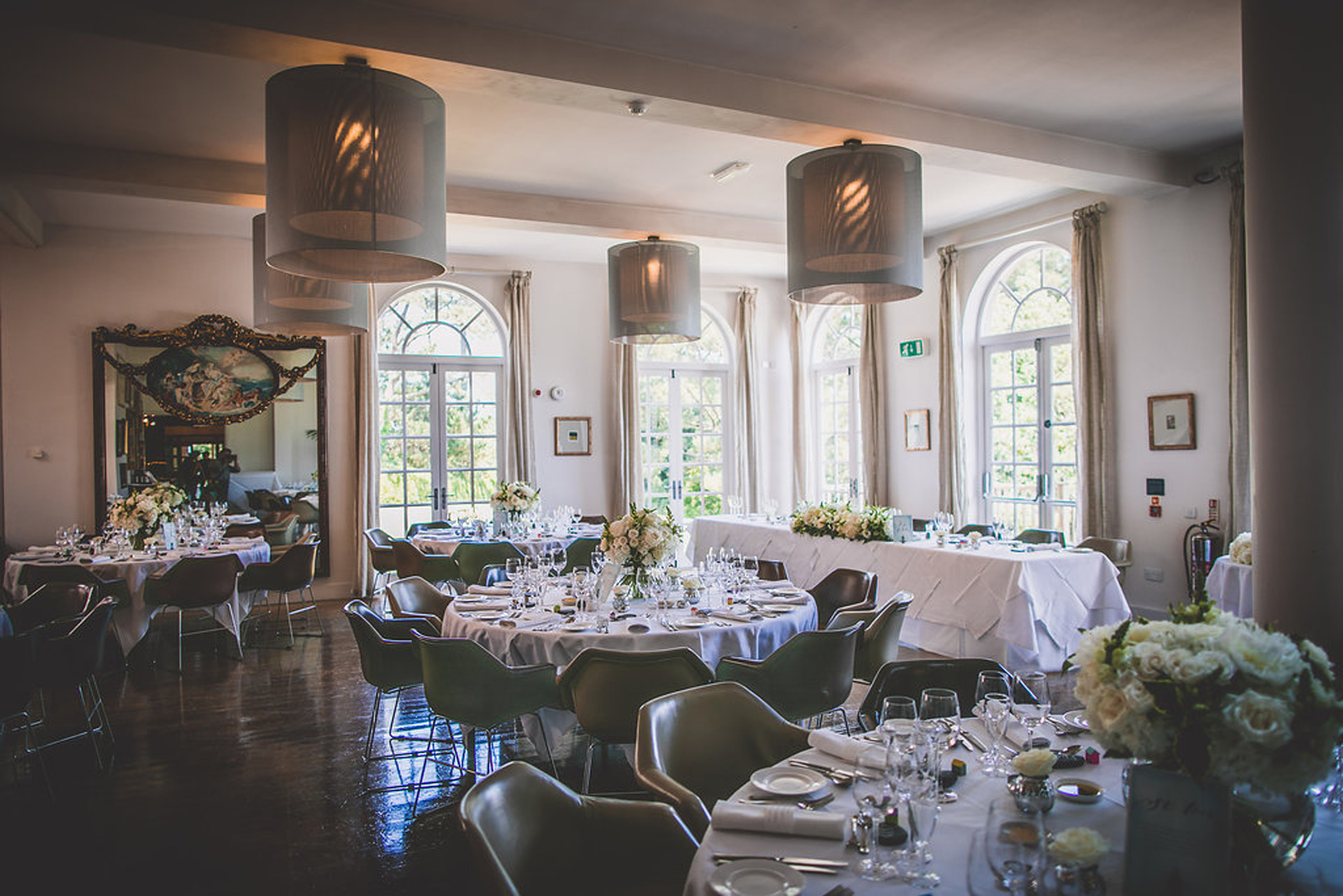 wedding-breakfast-room-at-fowey-hall-hotel-cornwall